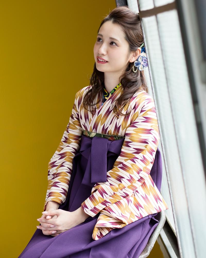 【着物】ムラサキ・金茶矢がすり+【袴】ムラサキ