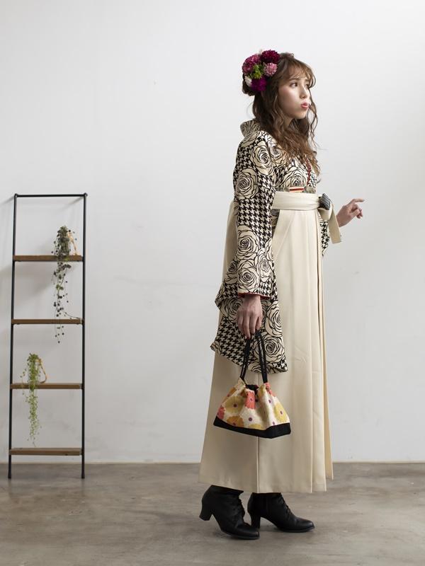 【着物】白黒モダンバラ+【袴】クリームひも縞